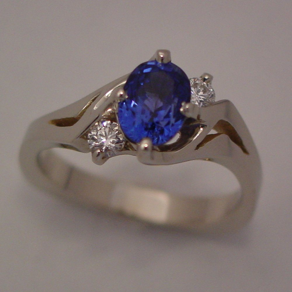 14k White Gold Oval Sapphire and Diamond Kona Ring