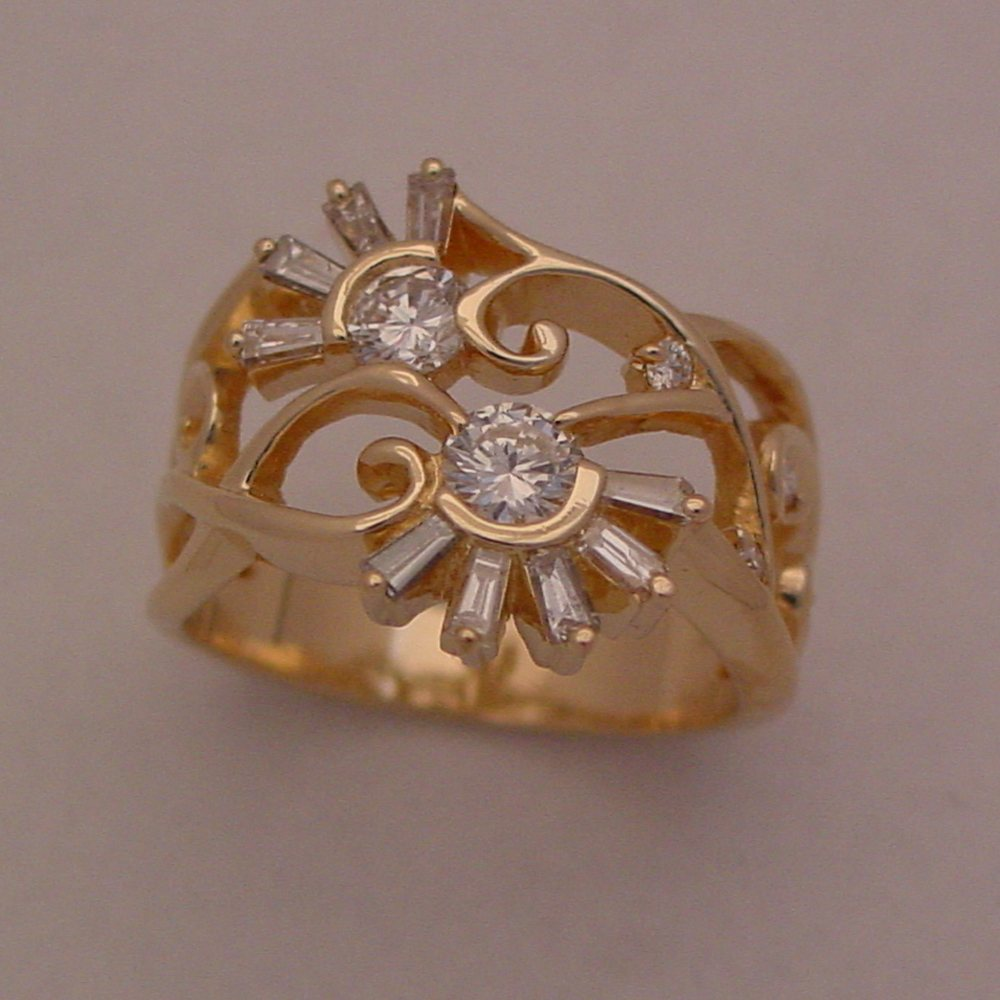 14k Yellow Gold Diamond Flower Pedal Ring
