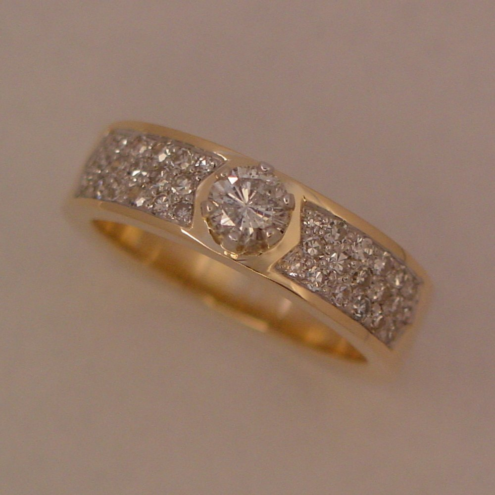14k Yellow Gold Diamond Pave Ring