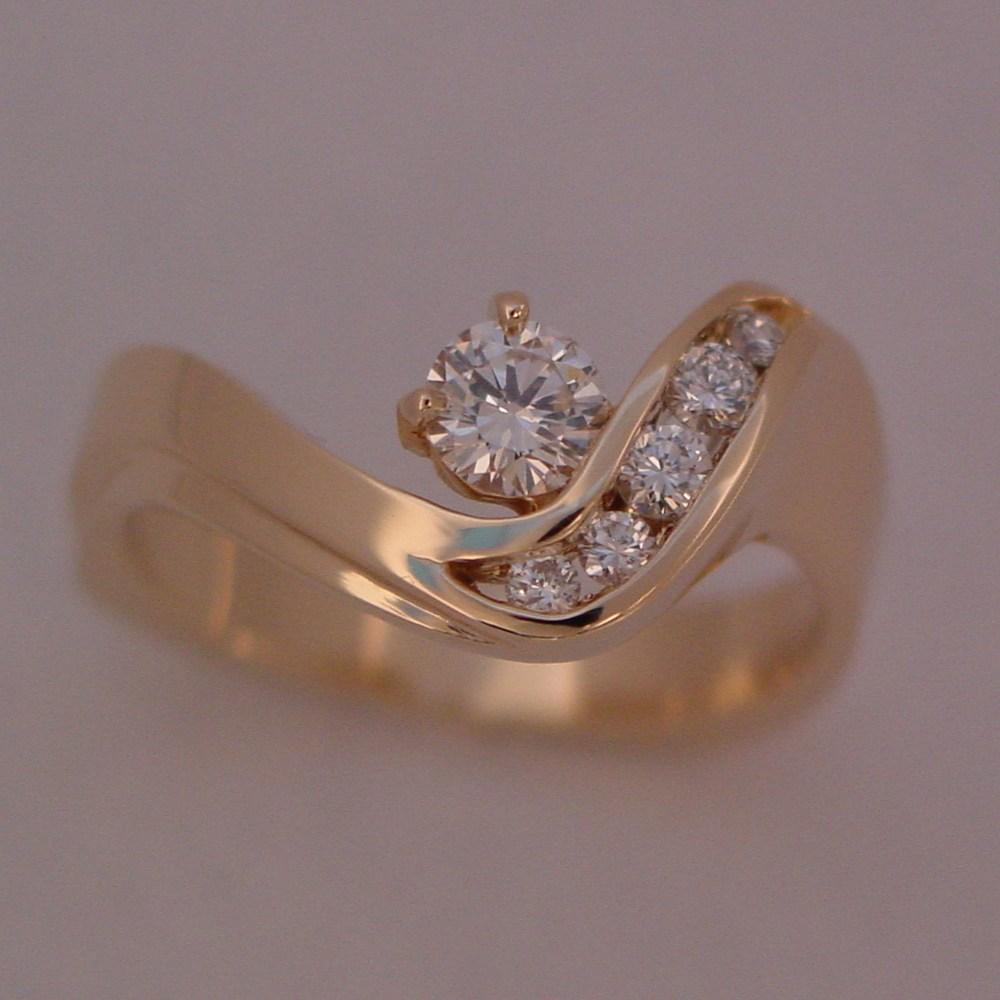 14k Yellow Gold Diamond Swirl Ring