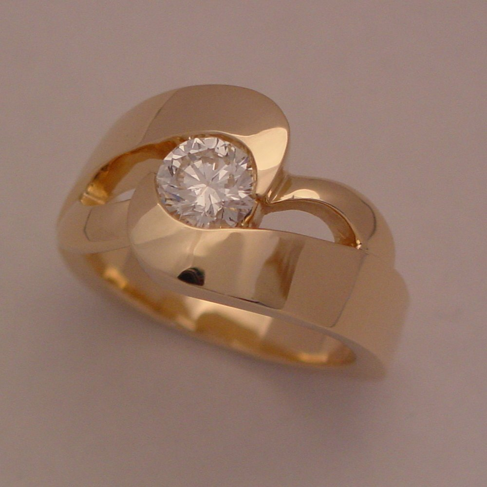 18k Yellow Gold 1ct Diamond in Heavy Swirl Ring