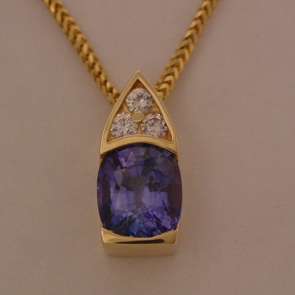 18k Yellow 5.24ct Ceylon Sapphire and Diamonds