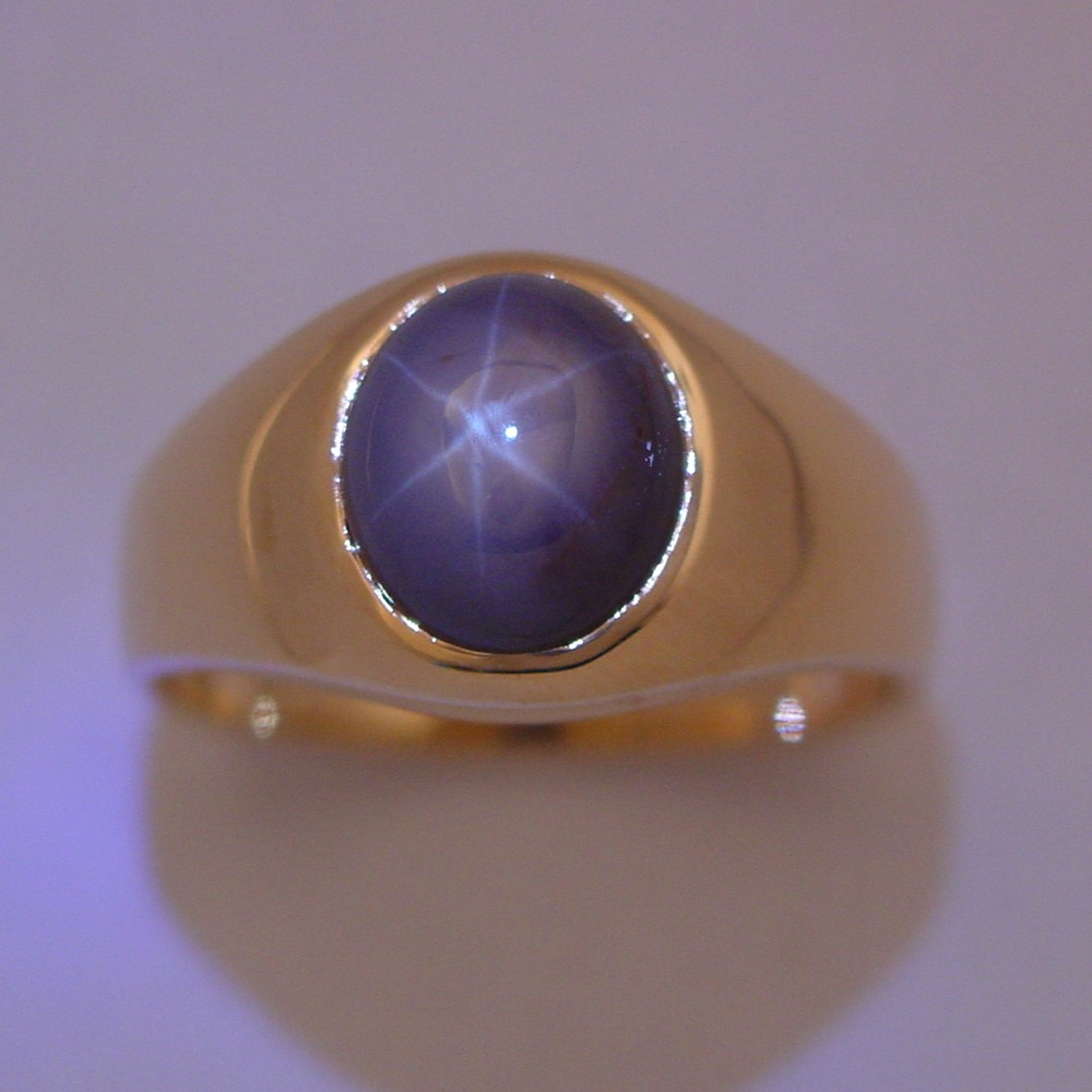18k Yellow Gold 8_24ct Star Sapphire Man's Ring